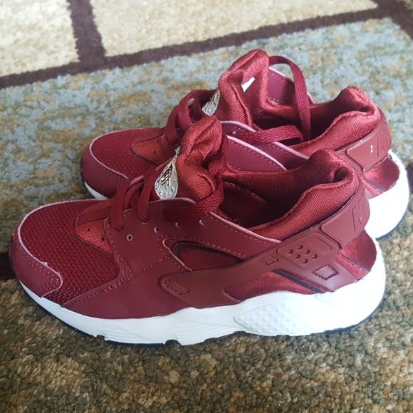 03ff7a59c4900d Nike Air Huarache Run Sneakers Red Toddler Size 11.  M 5b592145035cf1fbc5d13a72